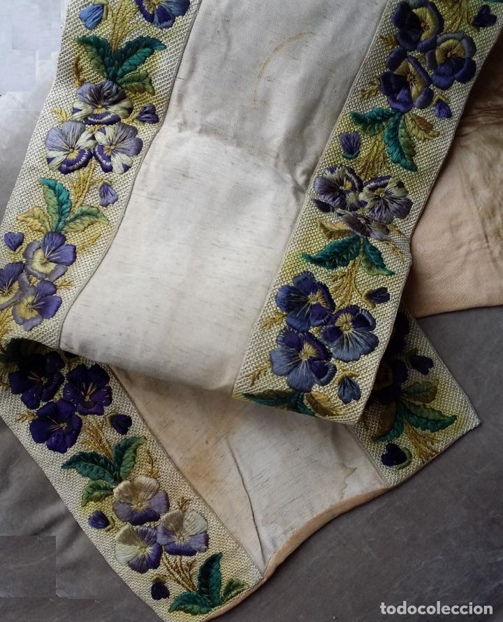 Antigüedades: Antiguo tapete bordado - de colección - Foto 13 - 140775000