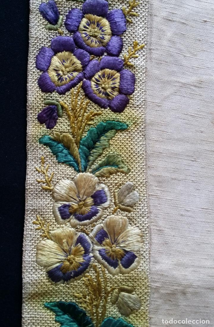 Antigüedades: Antiguo tapete bordado - de colección - Foto 15 - 140775000