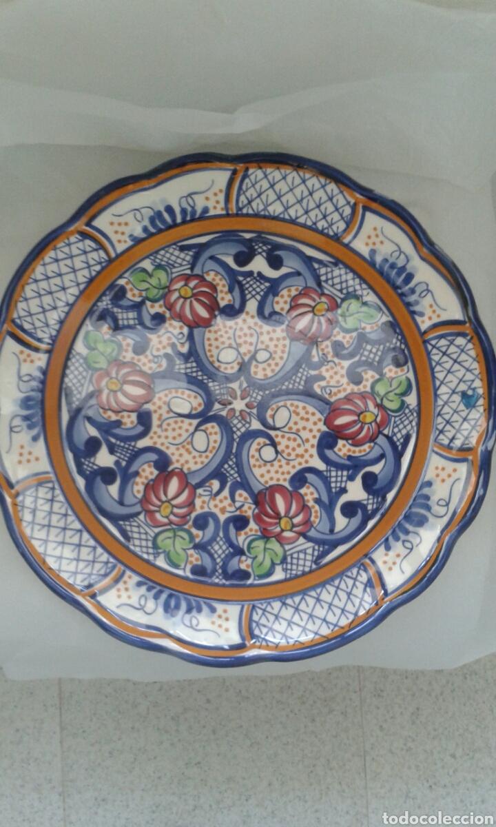PLATO CERAMICA 31 CM (Antigüedades - Porcelanas y Cerámicas - Otras)