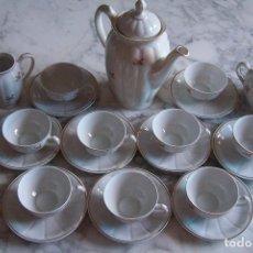 Antigüedades: JUEGO DE CAFÉ SANTA CLARA, MAH/ VIGO, 9 SERVICIOS, CAFETERA, LECHERA Y AZUCARERA. 21 PIEZAS.. Lote 129175019