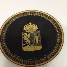 Antigüedades: PLATO DAMASQUINOS HECHO A MANO GRABADO EN ORO ESC DE MADRID Y DRAGÓN DE LA LEYENDA INICIALES ORFEBRE. Lote 129183731