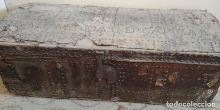 Antigüedades: BAUL O ARCON GRANDE CON PALABRAS EN CASTELLANO ANTIGUO, CAÑIZARES, ARCA COFRE, SIGLO XVII XVIII - Foto 2 - 129192079