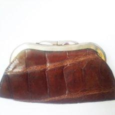 Antigüedades: MONEDERO PIEL DE COCODRILO. PERFECTO ESTADO. Lote 129197467