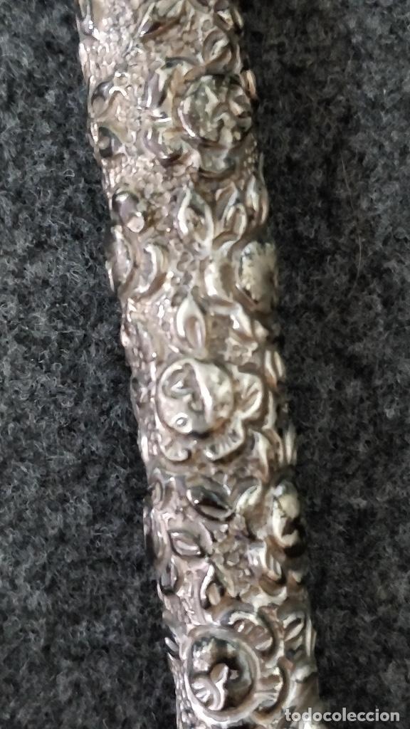 Antigüedades: Mango Paraguas/ Mango sombrilla de plata con motivos florales. - Foto 3 - 129207539