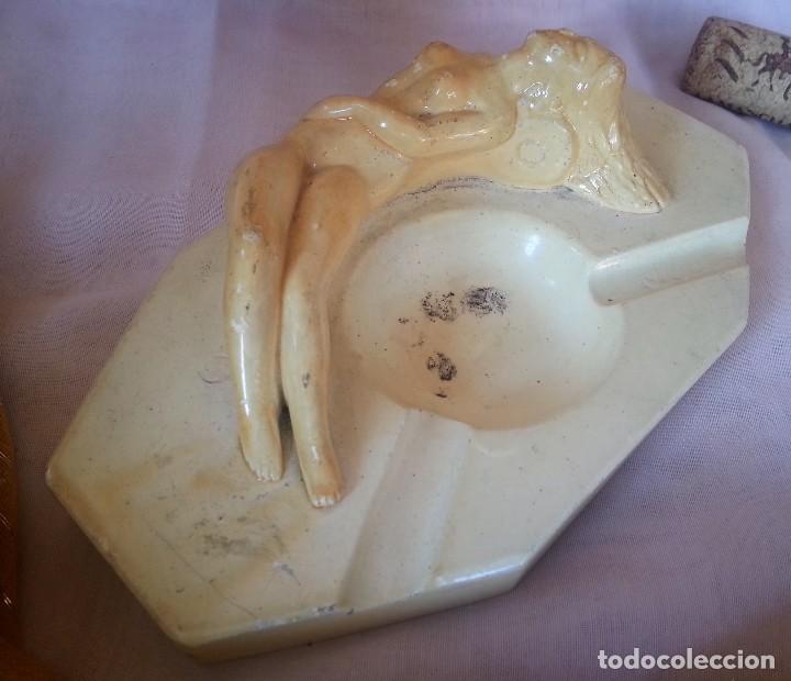 Antigüedades: Cenicero vintage. Art Deco. Fabricado en baquelita. Años 70. Old ashtray. - Foto 2 - 129218407