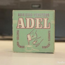 Antigüedades: ADEL, ABRIDOR, VERTEDOR PARA BOTES DE LECHE CONDENSADA, AÑOS 50, EN SU CAJA. Lote 129281399