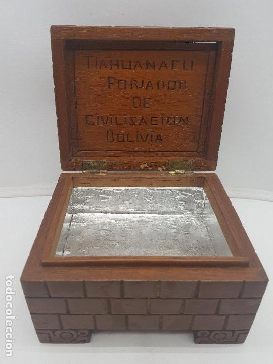 Antigüedades: Preciosa caja antigua de madera tallada representación de Tiahuanacu civilisación Bolivia. - Foto 3 - 129311375