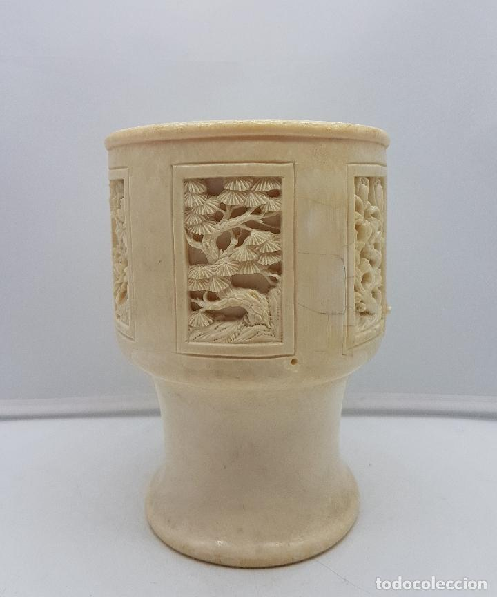 Antigüedades: Jarrón chino antiguo en marfil tallado a mano con bellos motivos florales . - Foto 2 - 129314075