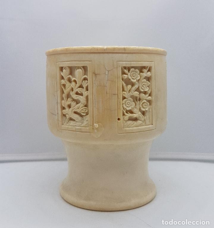 Antigüedades: Jarrón chino antiguo en marfil tallado a mano con bellos motivos florales . - Foto 3 - 129314075