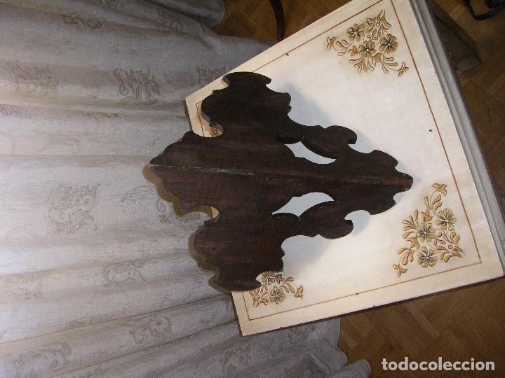 Antigüedades: PEQUEÑA RINCONERA EN CAOBA. ESPAÑA, S.XX. - Foto 5 - 10488836