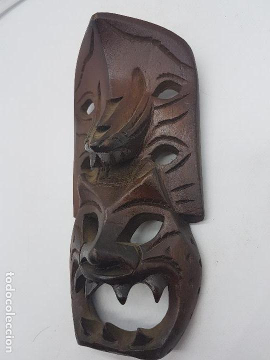 Antigüedades: Preciosa máscara antigua de madera tallada hecha en filipinas, demonio tribal. - Foto 4 - 129351211