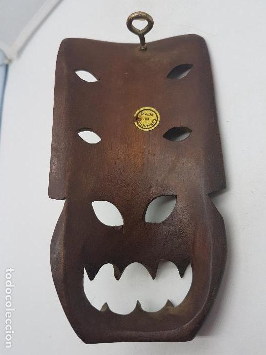 Antigüedades: Preciosa máscara antigua de madera tallada hecha en filipinas, demonio tribal. - Foto 5 - 129351211