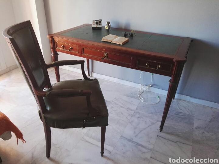 ESCRITORIO MESA DESPACHO CON SILLA MADERA Y BRONCE NO SE ENVIA (Antigüedades - Muebles Antiguos - Mesas de Despacho Antiguos)