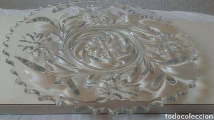 Antigüedades: Centro de mesa o ensaladera en cristal tallado a mano año 1865 aprox - Foto 2 - 129380278