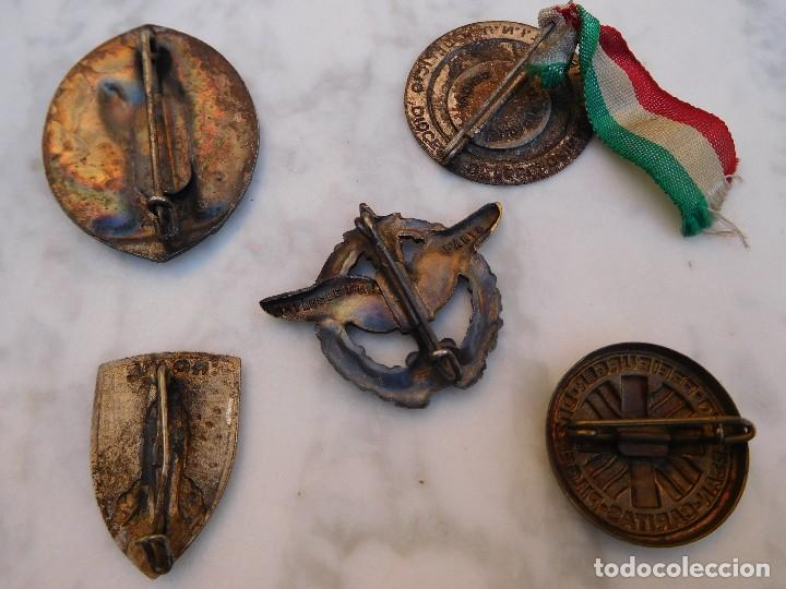 Antigüedades: Lote de 5 insignias religiosas antiguas - Foto 5 - 129383199