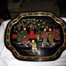 Antigüedades: BONITA BANDEJA METALICA CON ESCENA CHINA.MADE IN ENGLAND. Lote 129472075