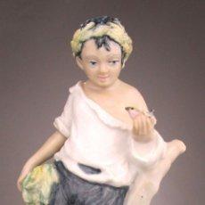 Antigüedades: FIGURA PORCELANA ANTIGUA NIÑO CON PAJARITO MITICO ANTONIO PEYRO . Lote 129474147