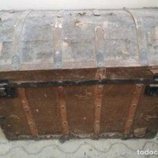 Antigüedades: BAUL O ARCON DE MADERA DEL SIGLO XIX. Lote 146001062