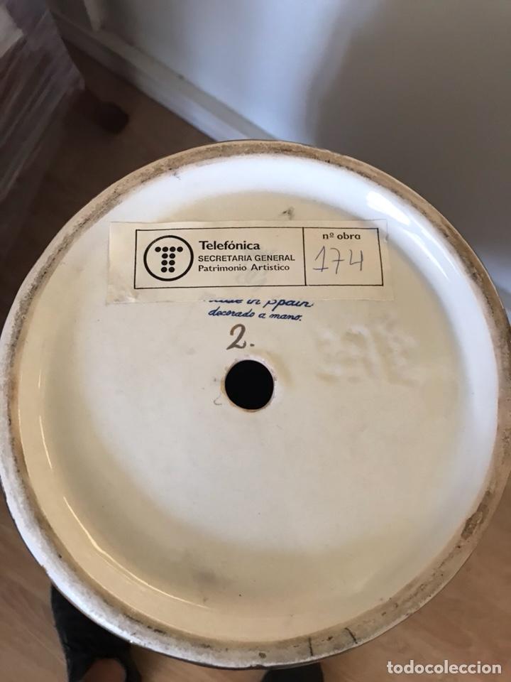 Antigüedades: Importante jarrón oriental pintado a mano Made in Spain número de obra 174 telefónica - Foto 6 - 129494247