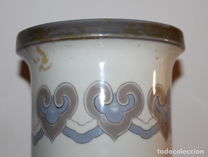 Antigüedades: JARRÓN CILÍNDRICO DECORADO AVE PARAISO EN PORCELANA DE LLADRÓ - JULIO RUIZ - Foto 7 - 129553651