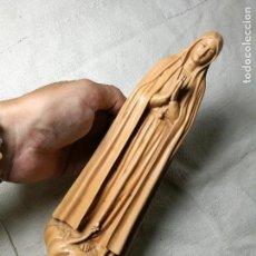 Antigüedades: IMAGEN FIGURA VIRGEN EN ESTUCO AÑOS 50...FATIMA..LOURDES..?? 29 CM ALTO. Lote 129582195
