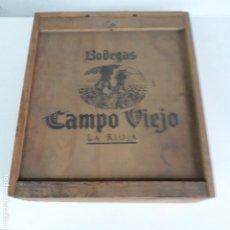 Antigüedades: CAJA DE MADERA DE CAMPO VIEJO,VACIA, CON CAPACIDAD DE TRES BOTELLAS. Lote 129656255