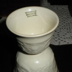 Antigüedades: HUEVERA PORCELANA INGLESA WEDGWOOD DOBLE. Lote 129663883