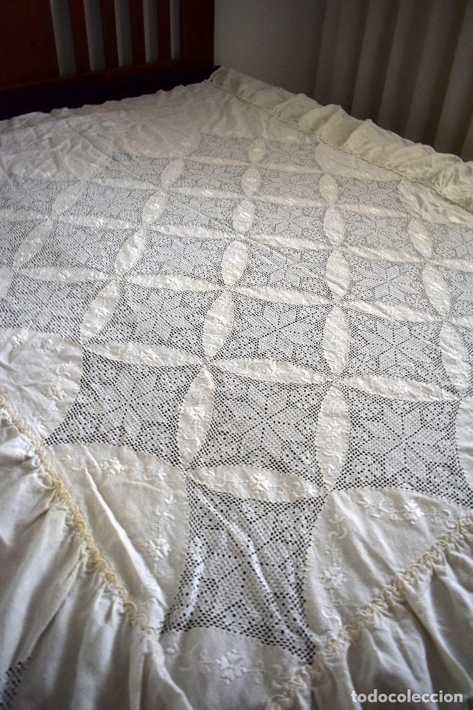 Antigüedades: Autentica colcha artesania lagarterana en lino. Es de Lagartera. dos piezas funda almohada y colcha - Foto 8 - 129701203