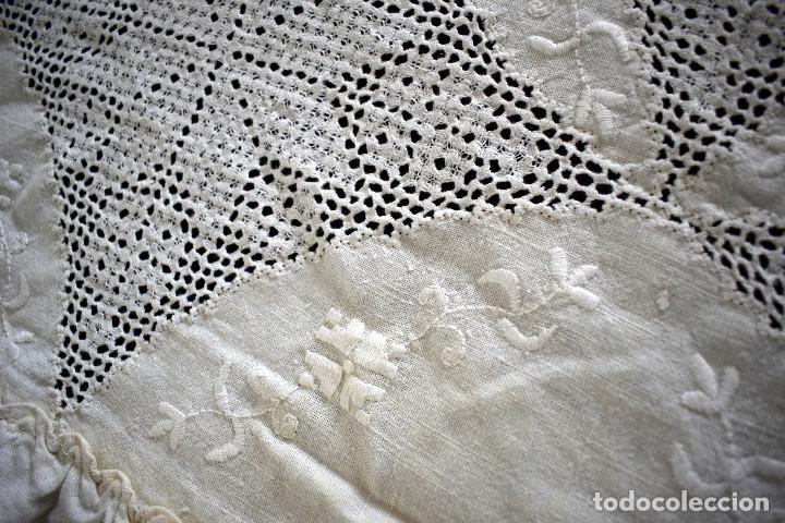 Antigüedades: Autentica colcha artesania lagarterana en lino. Es de Lagartera. dos piezas funda almohada y colcha - Foto 3 - 129701203