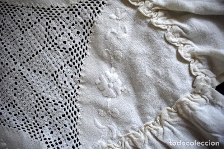 Antigüedades: Autentica colcha artesania lagarterana en lino. Es de Lagartera. dos piezas funda almohada y colcha - Foto 11 - 129701203