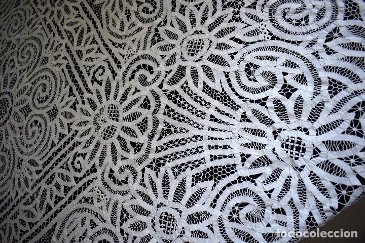 Antigüedades: Maravillosa colcha encaje de brujas encaje cintas y guipur hecha a mano. Con cojines. Impresionante - Foto 13 - 129704735