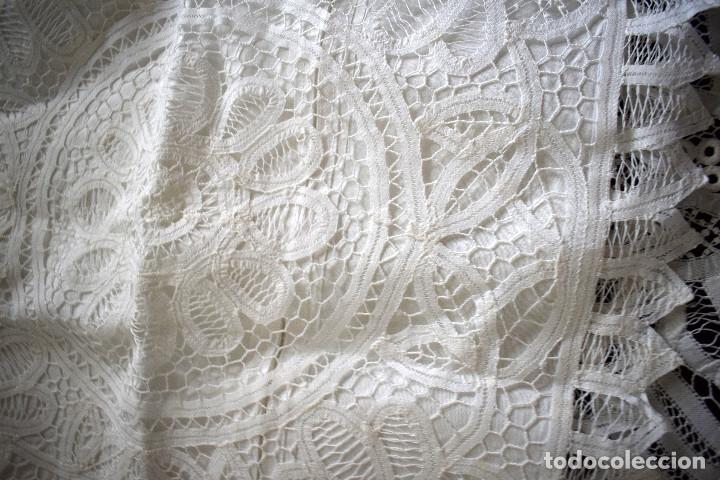 Antigüedades: Maravillosa colcha encaje de brujas encaje cintas y guipur hecha a mano. Con cojines. Impresionante - Foto 10 - 129704735