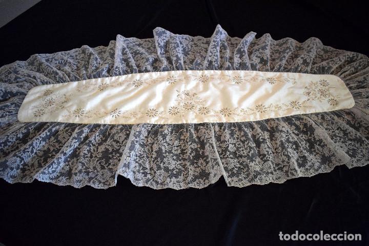 Antigüedades: Mantilla terno en blanco roto con encaje estilo alençón y bordada en pedreria - Foto 5 - 129720579