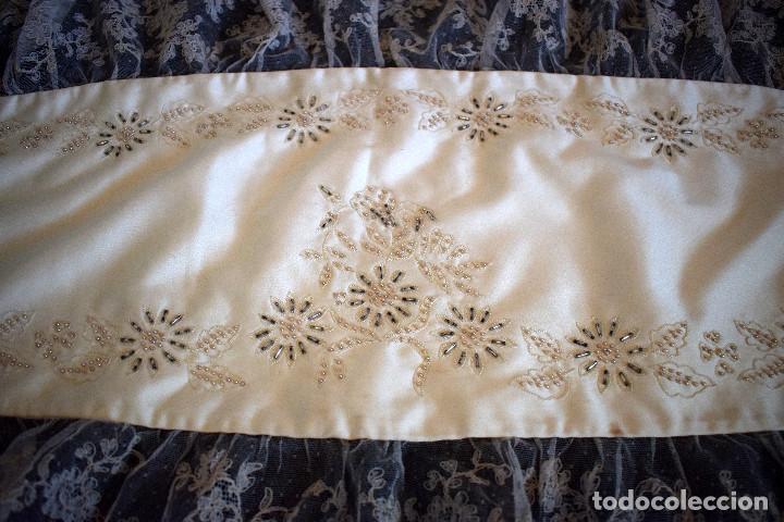 Antigüedades: Mantilla terno en blanco roto con encaje estilo alençón y bordada en pedreria - Foto 8 - 129720579
