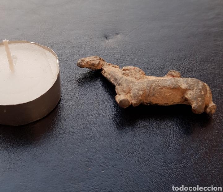 Antigüedades: Muy antigua y rara figurilla tallada en piedra figura de caballo. - Foto 5 - 129742206