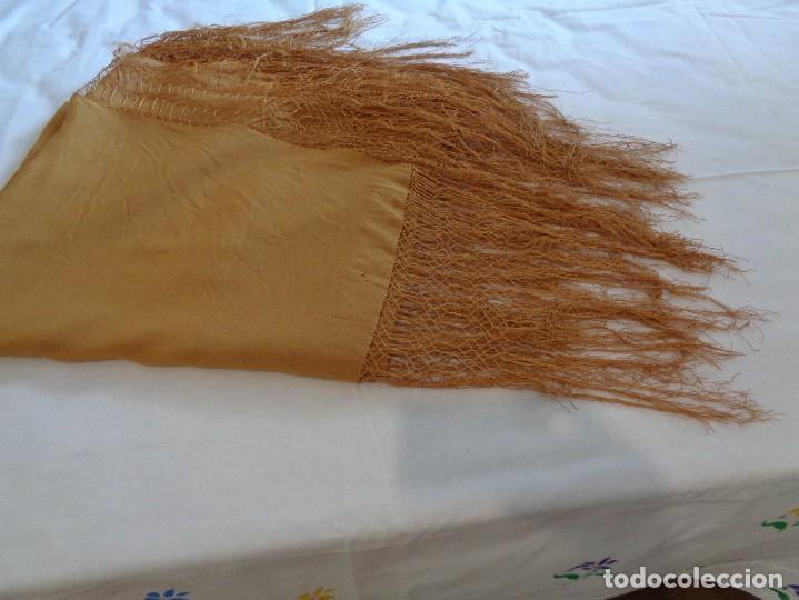 Antigüedades: Bonito Mantón de Manila de color marron claro - Foto 9 - 130006995