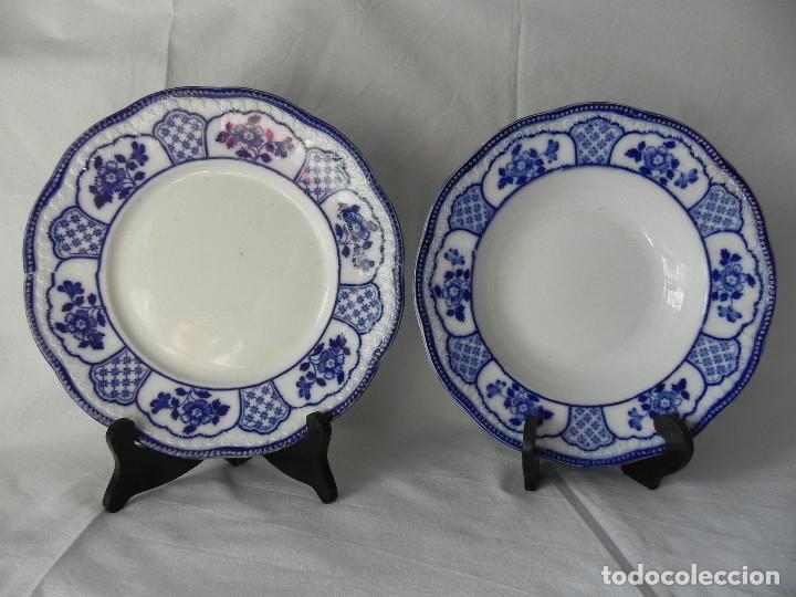 ** PAREJA DE PLATOS DE CERAMICA DE SAN JUAN DE AZNALFARACHE - SERIE SEVILLA ** (Antigüedades - Porcelanas y Cerámicas - San Juan de Aznalfarache)