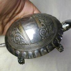 Antigüedades: TIMBRE DE MESA MARCA BOJ..EIBAR.CAPARAZON CON FUERTE BAÑO DE.. PLATA SATOSTEGUI. Lote 130066315