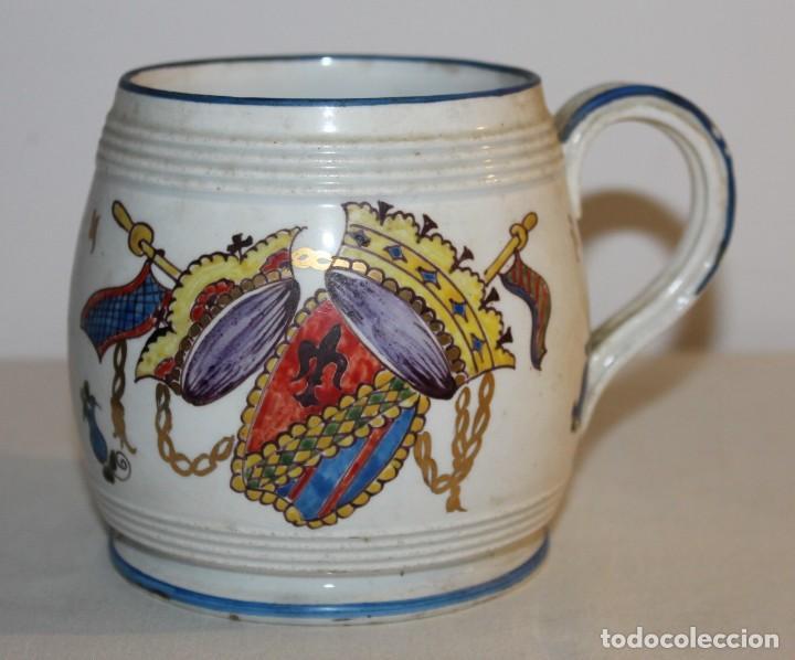 JARRA EN PORCELANA FIRMADA POR GENIS CIRERA CON SELLO DE LA CARTUJA PICKMAN SEVILLA (Antigüedades - Porcelanas y Cerámicas - La Cartuja Pickman)