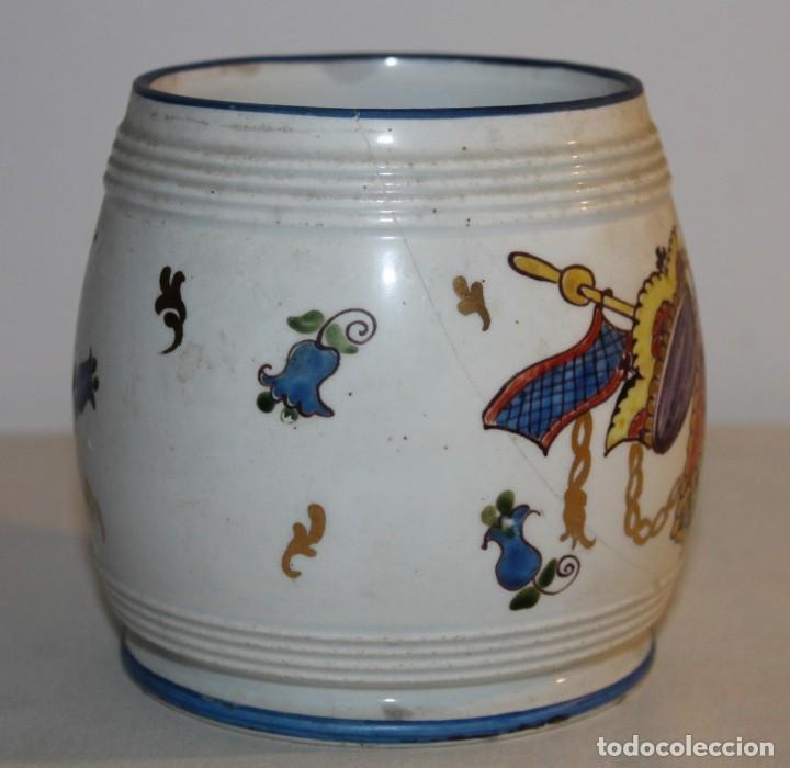 Antigüedades: JARRA EN PORCELANA FIRMADA POR GENIS CIRERA CON SELLO DE LA CARTUJA PICKMAN SEVILLA - Foto 2 - 130067935