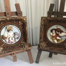 Antigüedades: PAREJA DE CUADROS DE RESINA CON IMAGEN ANGELES EN RELIEVE. Lote 130079599