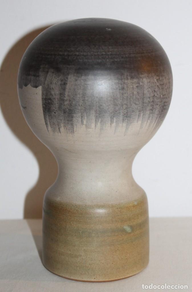 Antigüedades: CABEZA EN CERÁMICA DE DISEÑO ESMALTADA A MANO - FIRMADA EN LA BASE SEDÉ - AÑOS 60 - Foto 2 - 130085423