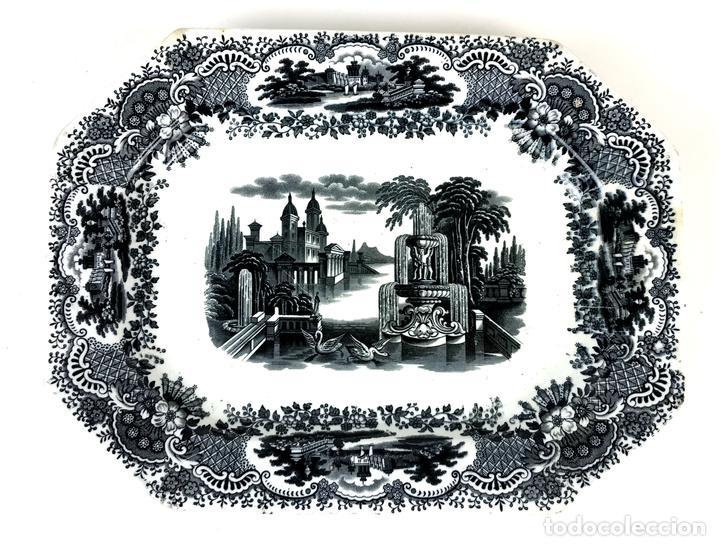 PLATO DE CERÁMICA ESMALTADA. PICKMAN Y Cª. SEVILLA. SIGLO XX. (Antigüedades - Porcelanas y Cerámicas - La Cartuja Pickman)