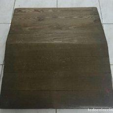Antigüedades: ANTIGUO REPOSAPIÉS DE JUEZ. DE MADERA DE PINO.. Lote 130180419