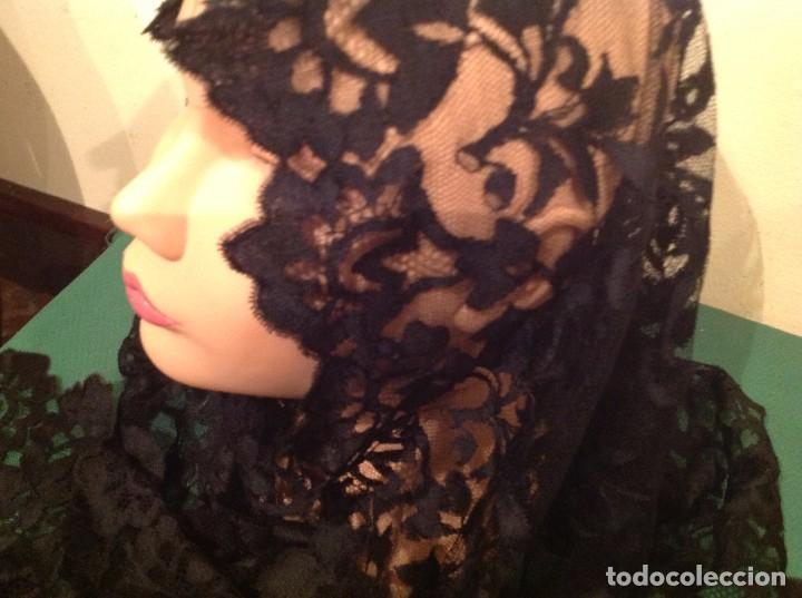 Antigüedades: Mantilla Velo Blonda Encaje Negro Tres Picos S.XIX Medidas 160X68CM - Foto 2 - 130198039