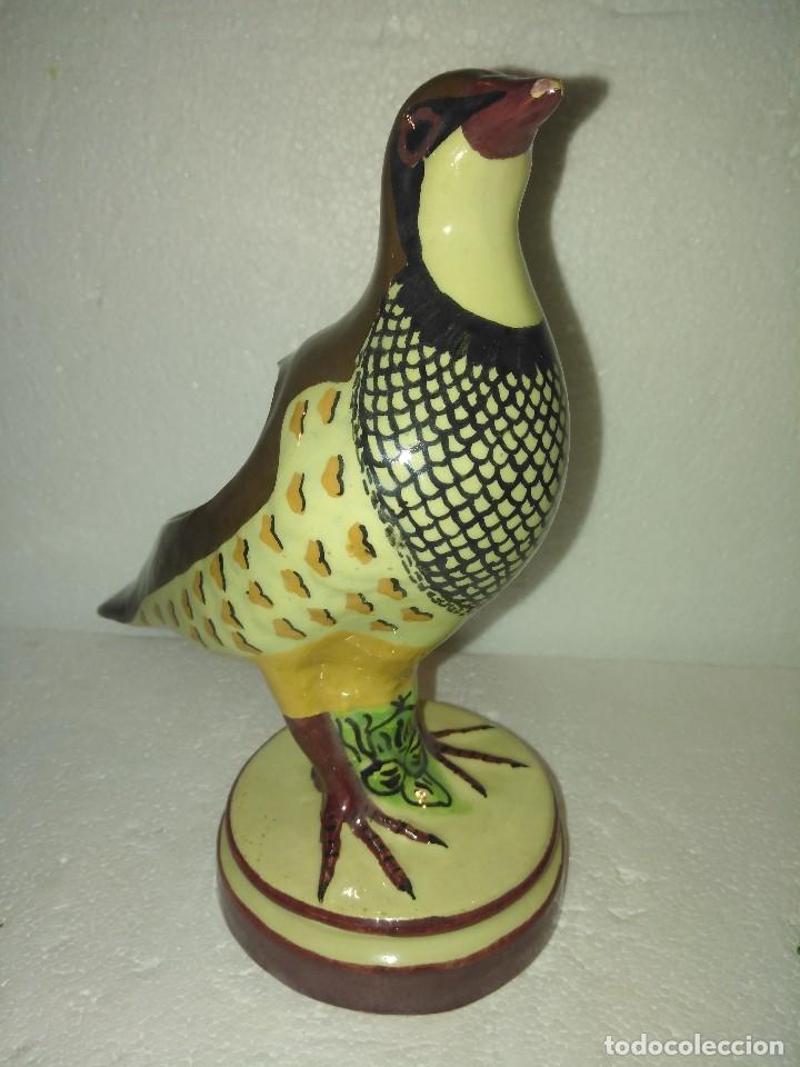 Antigüedades: Preciosa perdiz salsera de cerámica de Alcora - Foto 2 - 130214695