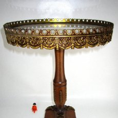 Antigüedades: ELEGANTISIMA MESA LUIS XIV AUXILIAR EN MADERA NOGAL BRONCE Y MARMOL . Lote 130224566