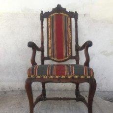 Antigüedades: SILLÓN BUTACA ESPAÑOLA NOGAL ÉPOCA FELIPE V PRIMER CUARTO S XVIII. Lote 130236634