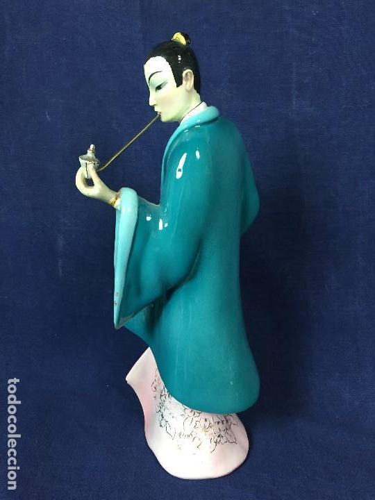 Antigüedades: figura loza italiana personaje oriental fumando asia marca en la base italia 1940 - Foto 3 - 130239346