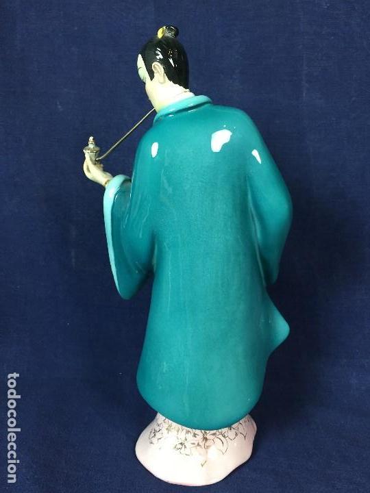 Antigüedades: figura loza italiana personaje oriental fumando asia marca en la base italia 1940 - Foto 4 - 130239346